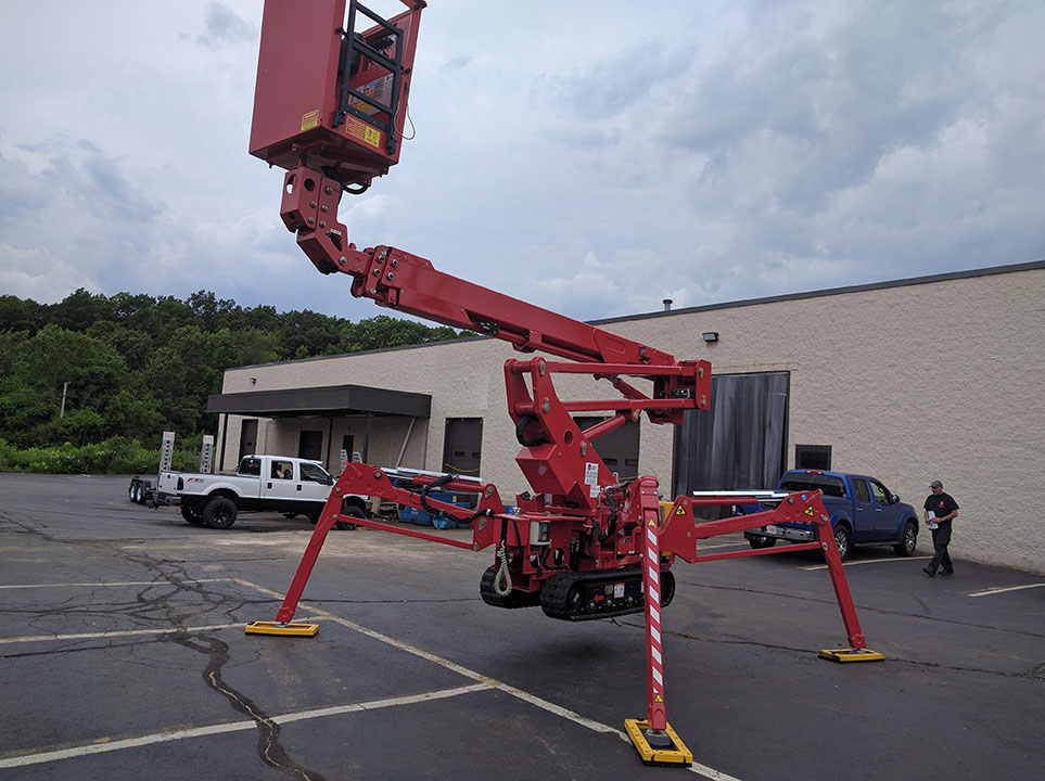 60 foot tree care track lift